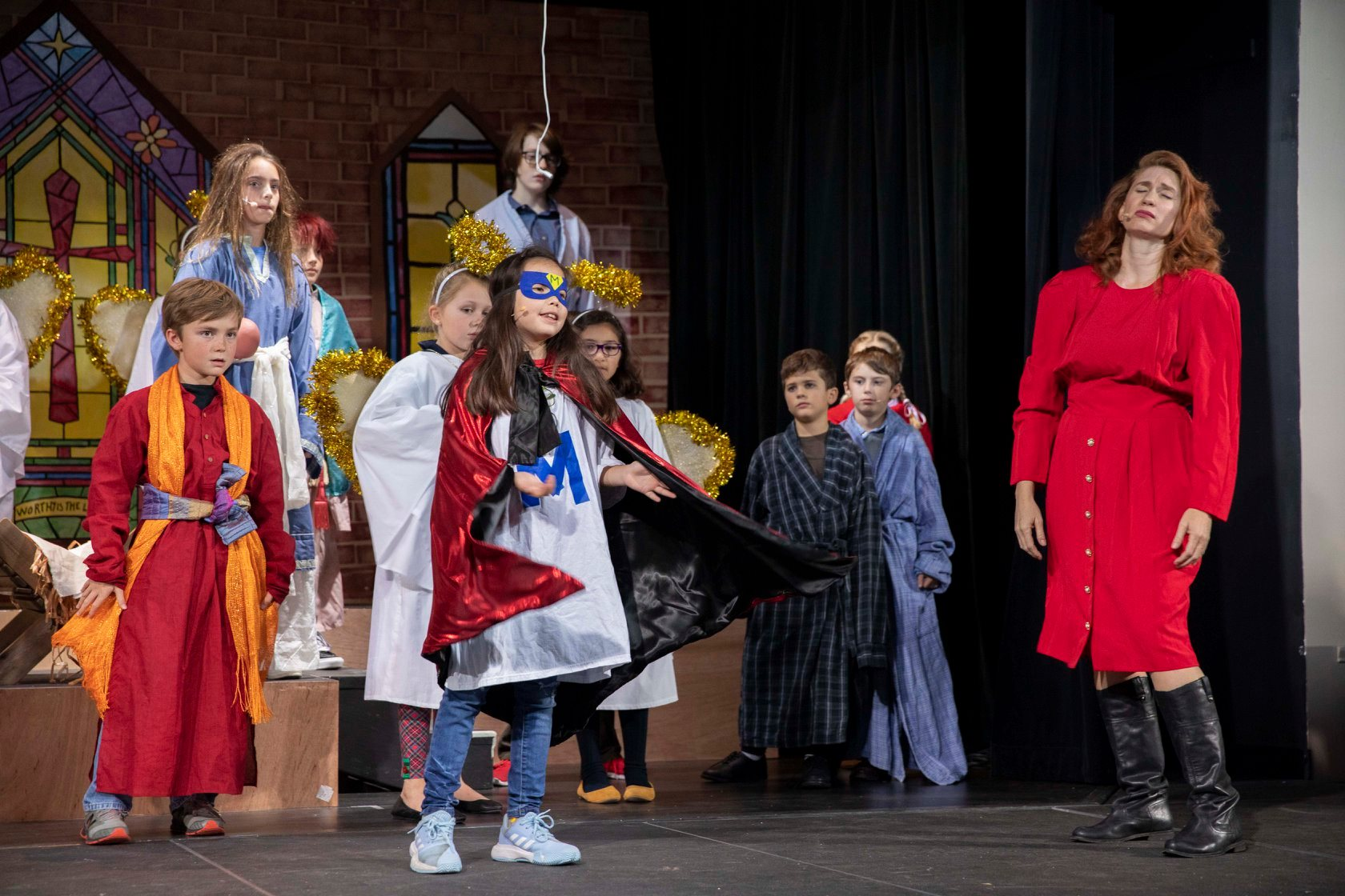 uploads/best-christmas-pageant-ever-lakeway-players-2019/pageant_lakeway_09_.jpg