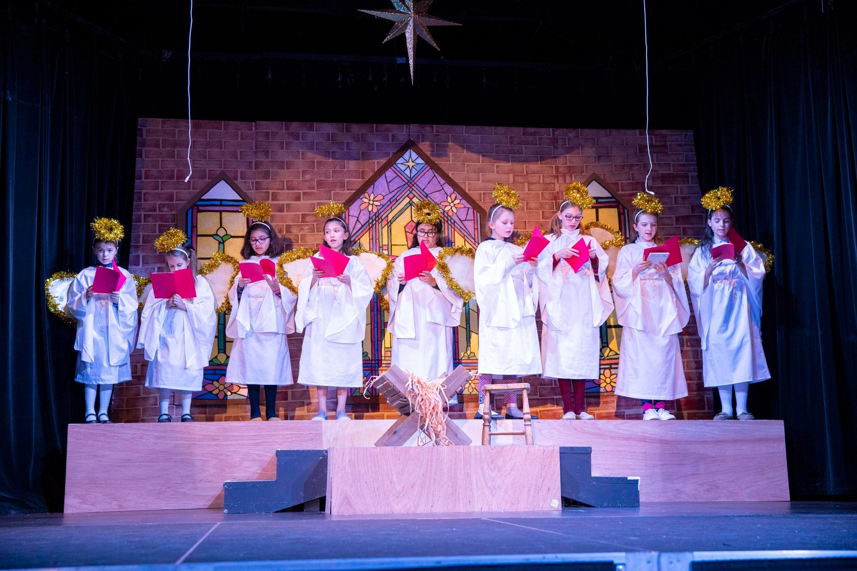 uploads/best-christmas-pageant-ever-lakeway-players-2019/pageant_lakeway_11.jpg