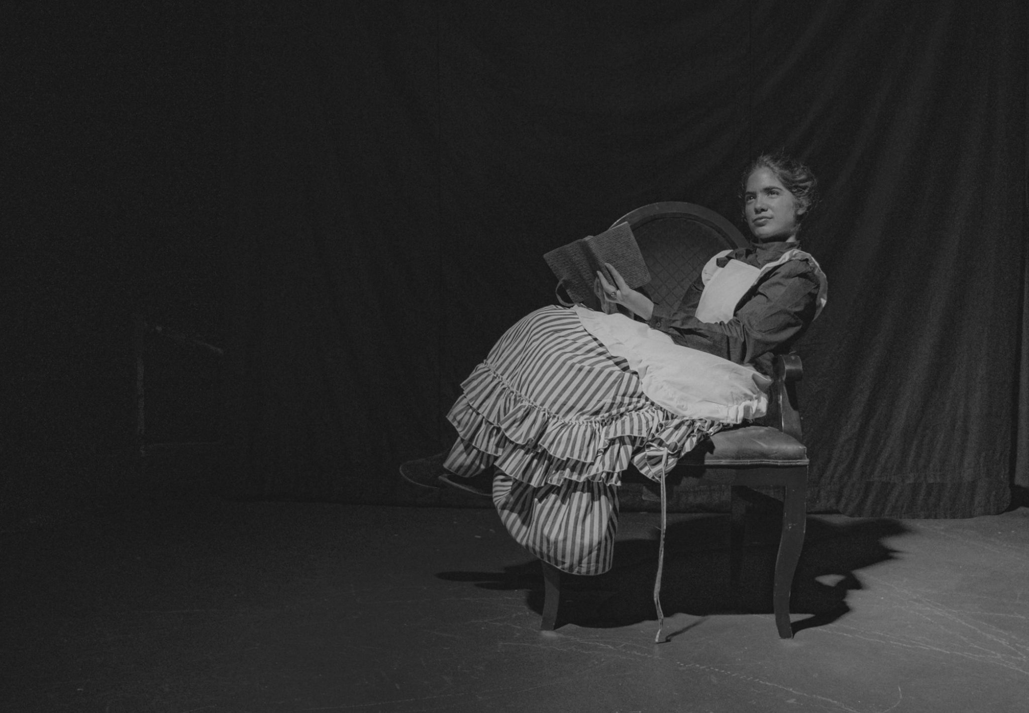 uploads/production_images/the-moors-gaslight-baker-ursula-rogers-2019/moors_gbt_05_bw.jpg