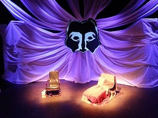 set design by Justin Cox (photo: Tutto Theatre)
